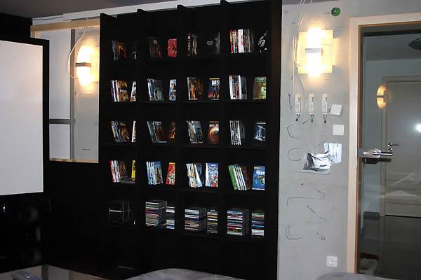 bauphase panic room. Black Bedroom Furniture Sets. Home Design Ideas